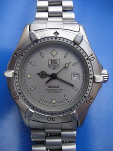 TAG HEUER Professional 2000 ladies' wristwatch – 2009.