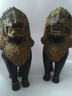 Noteworthy pair of gilt-bronze sculptures, Thailand, late 20th century