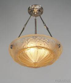 Muller Frères - Art Deco chandelier - nickeled bronze and salmon coloured pressed glass