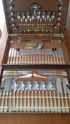 Cutlery set in 18/10 steel and 24kt gold, original certificate