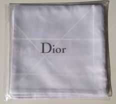 Christian Dior Graphite white tablecloth. 100% cotton + 4 matching napkins