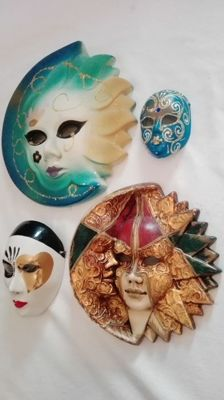 Beautiful lot of 4 ceramic masks