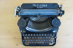 Very nice antique Mercedes typewriter with case, from the 1930's