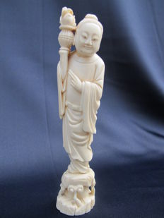Ivory statue Buddha/Immortal? – China – early 20th century.