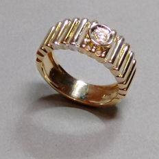 Gold ring 14kt with brilliant of approx. 0.17 ct