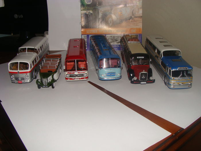 Ixo-Hachette Scale 1/43 lot of 6 Autobus et Autocars du Monde 1 x Pegaso Z403, 1 x Creyhound Scenicruiser, 1 x Citroen type 23 R , 2 x Mercedes- Benz and 1 x Setra Seida S14