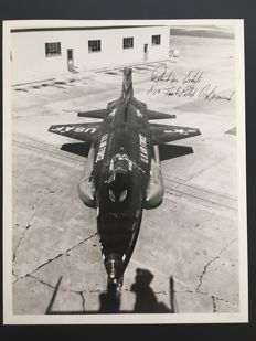 Original signed X-15 Press Photo signed by Test Pilot (Astronaut) Robert Michael White