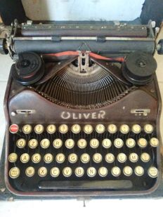 Antique typewriter - Old portable - ca. 1932