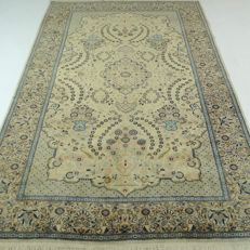 "Lahore – 221 x 140 cm –  ""Oriental carpet in beautiful condition"" –"