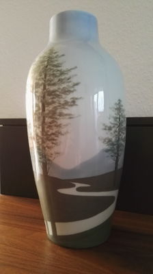 "Jaegar Thomas & co, of Marktredwitz - large art nouveau vase ""Copenhagen"""