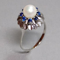 Gold ring with Akoya pearl of approx. 7 mm and 8 sapphires - size 60 / 18.9 mm