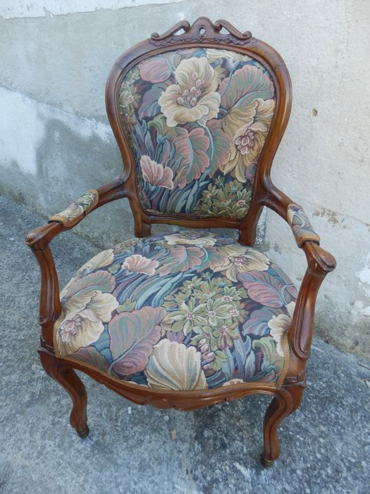 A walnut armchair, England, late 19th century