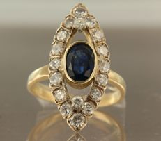 18 kt bi-colour gold marquise ring set with a central, 1.80 carat sapphire and 19 Bolshevik cut diamonds, 1.30 carat, ring size 18.5 (58).