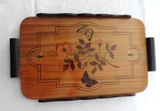 Art Nouveau tray in carved wood with decor of flowers and butterflies, ca. 1930, Belgium