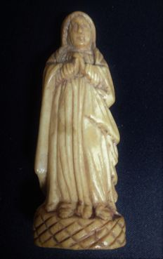 Indo-Portuguese Madonna in ivory - 18th century