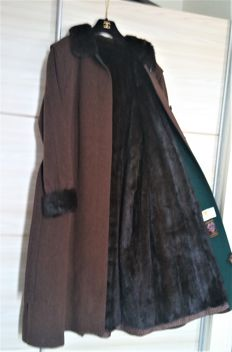 Atelier Adler (well known fur manufacturer) - wool coat with nertz fur lining - very exclusive