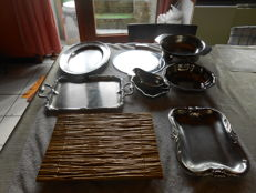 9-piece set of stainless steel scales + 1 stainless steel sauce bowl + 1 yellow porcelain cheese plank