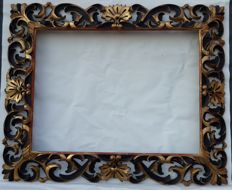 Large Florentine Baroque frame with perforated carvings - Italy - 19th century