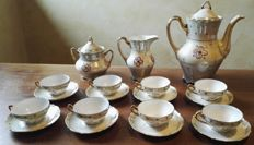 Carl Tielsch Altwasser Germany, 1875 - porcelain and gold tea set of 8 cups + 8 saucers + milk jug + teapot