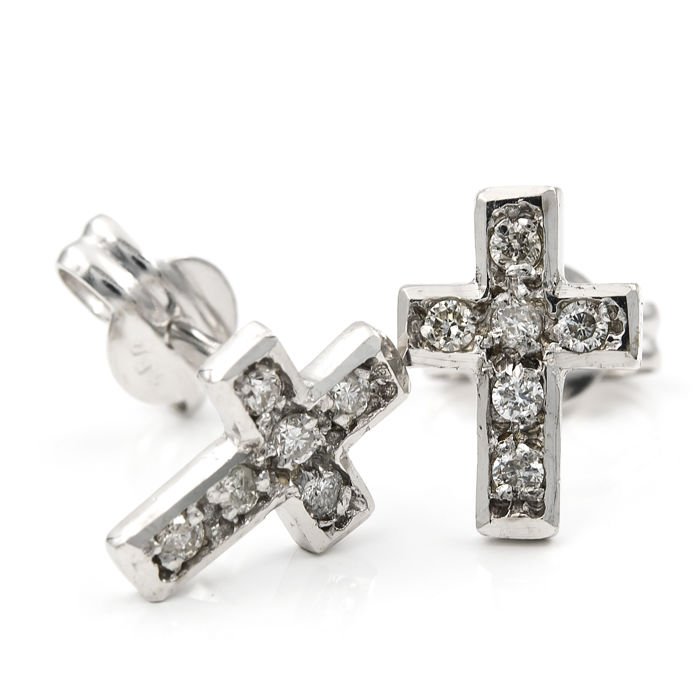 18 kt white gold - Earrings with cross design - Diamonds of 0.25 ct - Earring height: 9.30 mm