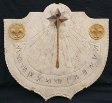 Large travertine Sundial with a polychrome inlay and two Royal yellow marble inlays - Italy, Florence - late 19th century