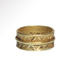 Viking Gold Ring with Punched Decoration,  2 cm inside D / Gold= 12.2 grams