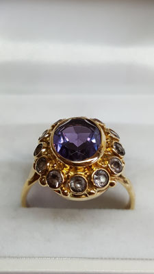 Yellow gold handmade women's ring of 14 kt, set with an amethyst