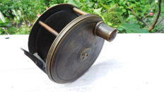 "Farlow Fishing Reel 19th century Salmon reel bronze,      "" Patent Lever No. 1667 C. Farlow & Co. Makers 191 Strand London """