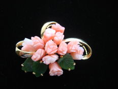 Large gold plated flower bouquet brooch in genuine angel skin coral & jade, vintage 1970,  USA in Swoboda style