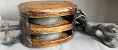Large old lifting block / pulley