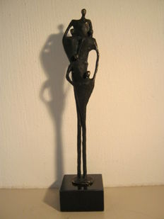 "Corry Ammerlaan van Niekerk - signed sculpture on marble base - ""Working Apart Together""- 26 cm in height"
