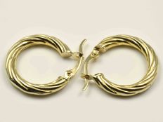 18 kt gold. Earrings: Creole.  Diameter: 19 mm.
