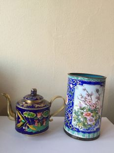 Two enamel cloisonné pots - China - 2nd half 20th century