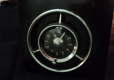 1 original Chevrolet dashboard clock in wooden box, 50s