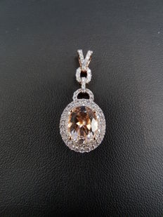 14ct White Gold Pendant with Morganite and Diamond Pendant, Weight 3.7grs, Total Diamond Carat 0.62ct, Total Morganite Carat 2.24ct - Approx. Length 3.5cm