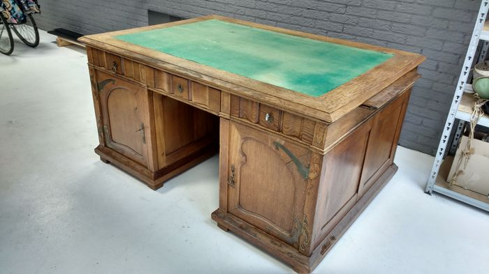 Oak BureauministrePartnerdesk with Art Nouveau hinges and locks