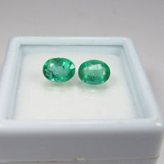 1.35 Ct - Emerald Pair