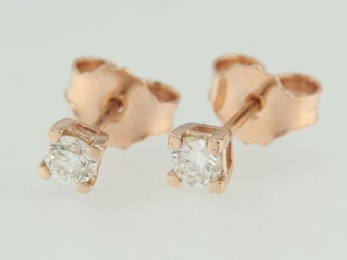14 kt, rose gold solitaire ear studs set with diamonds of 0.30 ct in total - 3.6 mm
