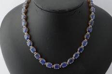 Royal yellow gold necklace with diamonds and very large sapphires, 106 ct in total - measurements: 43 cm