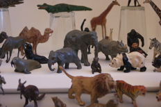 William Britains Zoological Series - Kavel met 42 assorted Zoo Animals & 2 Zoo Keepers - 1946/'48