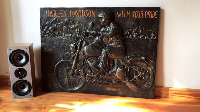 Harley Davidson 79 x59 x5 cm carved, limited edition No 3/100 convex handmade and painted advertising resine sign - 80s