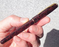 """Parker Sonnet (first model) Laque Autumn Red gold trim with gold plated nib """"F"""" fountain pen"""