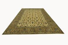 Fine Persian carpet, Kashan 3.98 x 2.94 OVERSIZE, pistachio green, genuine hand-knotted oriental carpet, GREAT CONDITION