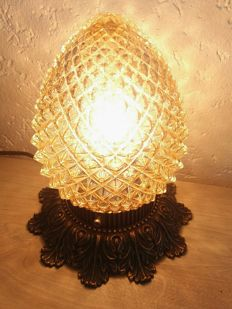 Unique Victorian-style glass Pineapple lamp