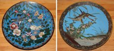 Pair of cloisonné plates decorated with wild geese, birds and flowers – Japan – Circa 1900