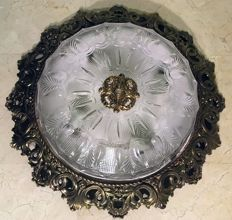 Antique ceiling lamp, in metal/brass alloy and cut glass frame