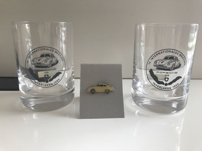 Porsche 356 - 2 crystal glasses of the 14th Porsche 356 meeting in Switzerland (made in Switzerland 1989) + Pin's 1980's