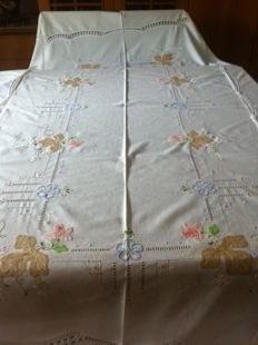 Tablecloth for 12 people