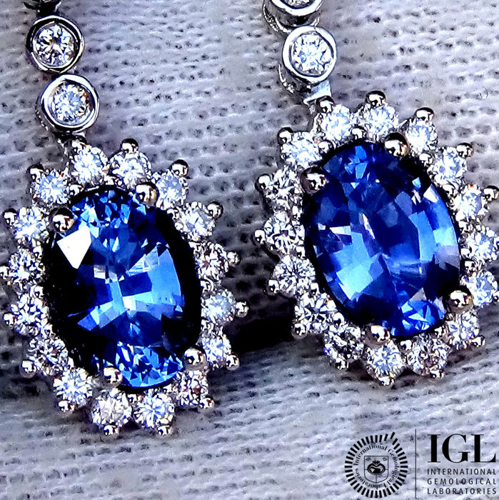 Unheated Natural Blue VS Sapphire And Diamond Earrings in 18 kt white gold 2.52 ct  - No Reserve