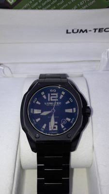 LUM-TEC Phantom V3 — Men's wristwatch — 2011-present